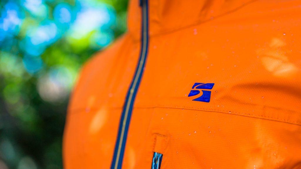 Review:finetrack エバーブレス フォトンジャケット ストレッチ性能だけじゃない、こだわりが光る次世代レインウェア