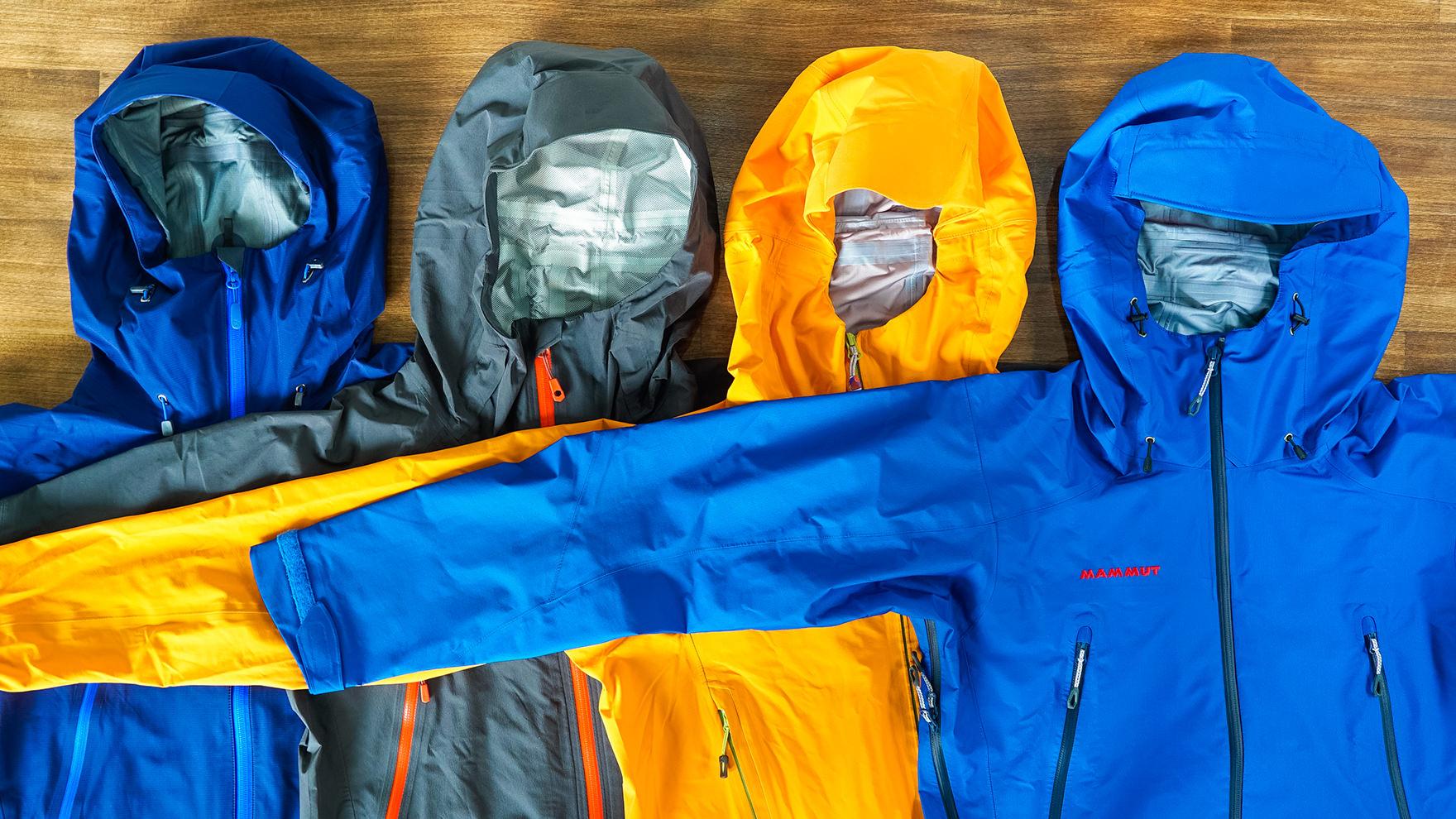 今シーズン見逃せない登山向けレインウェア【ハイキングやトレッキングに】